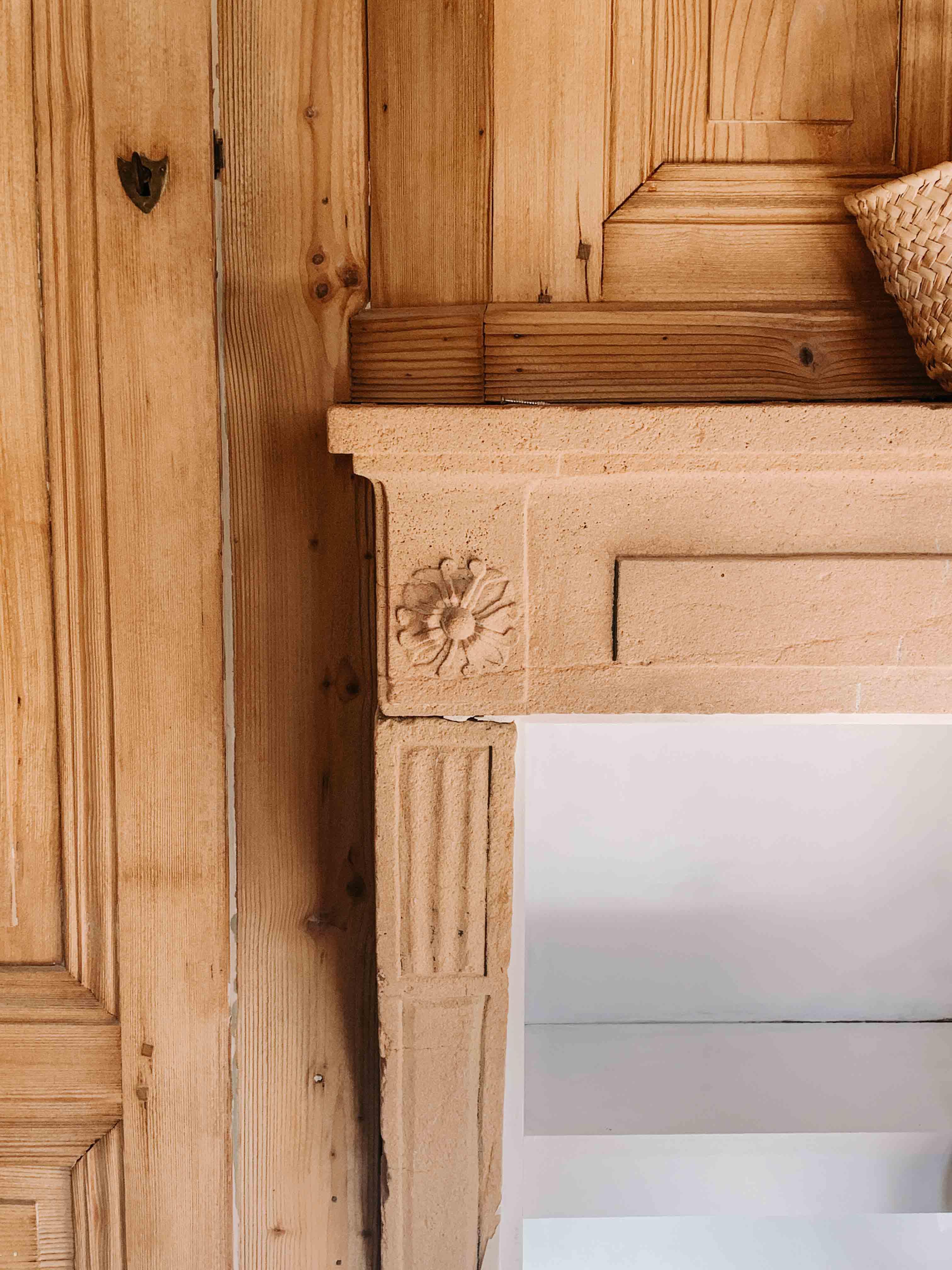 architecte-lyon-rénovation-presbytere-marcilly-azergues-pierre-dorée-3