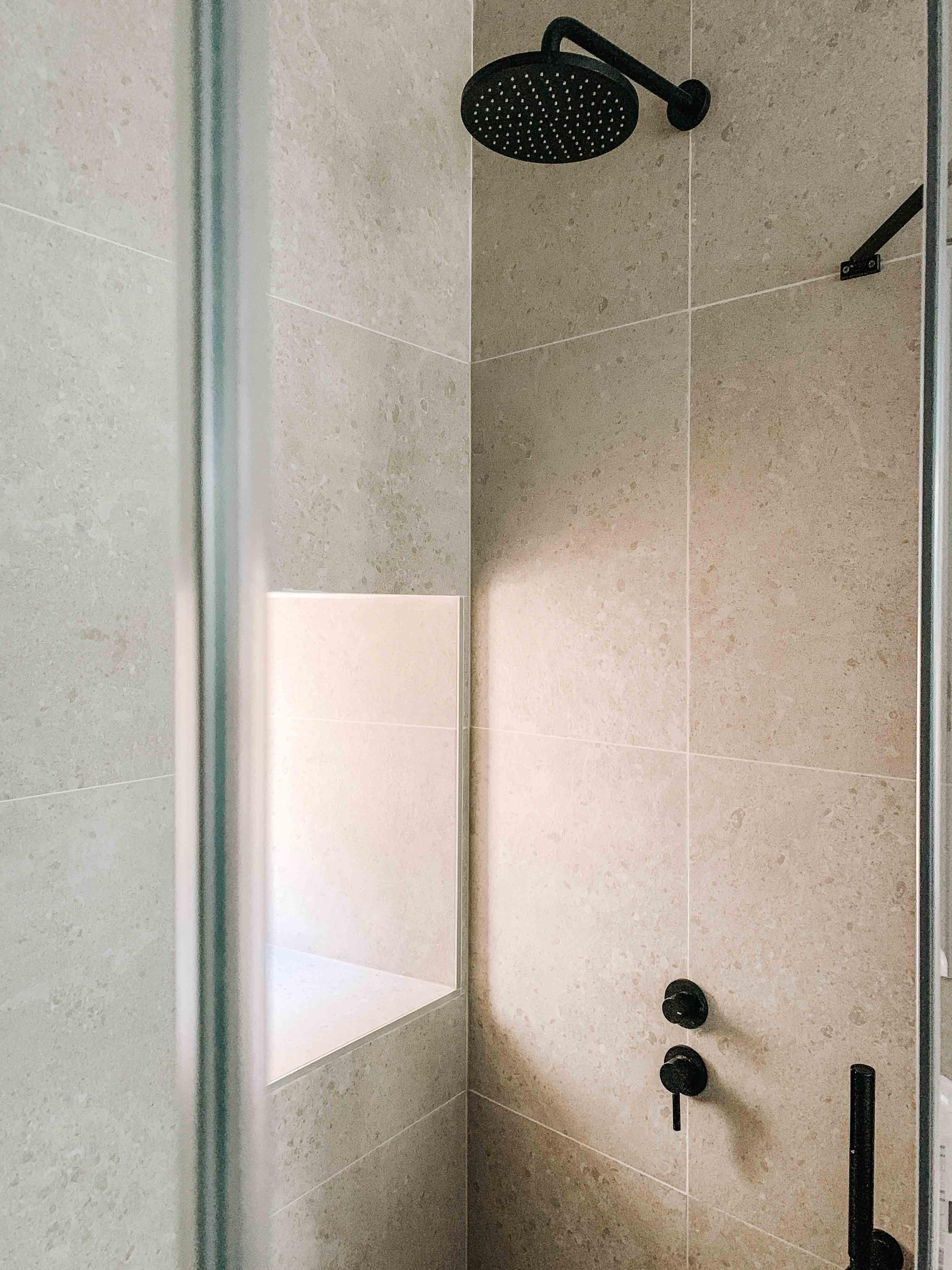 architecte-lyon-rénovation-presbytere-marcilly-azergues-pierre-dorée-4