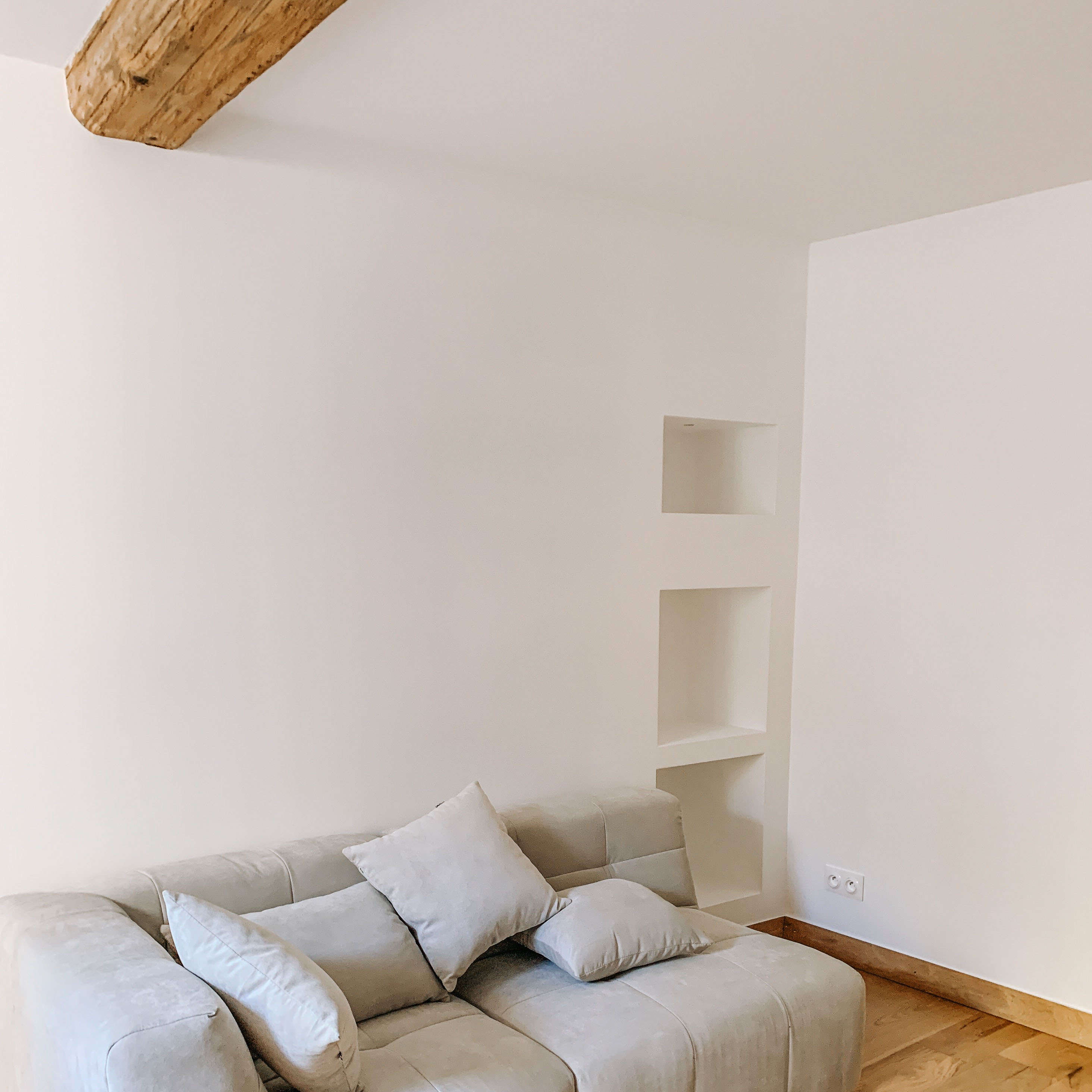 architecte-lyon-rénovation-presbytere-marcilly-azergues-pierre-dorée